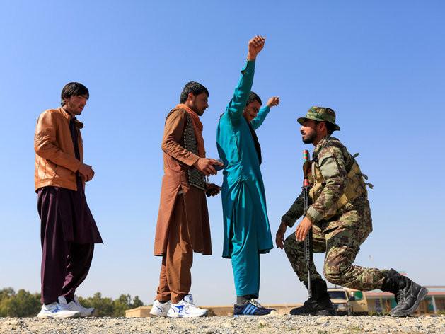 Accord «historique» de paix en Afghanistan: les talibans remportent la première manche