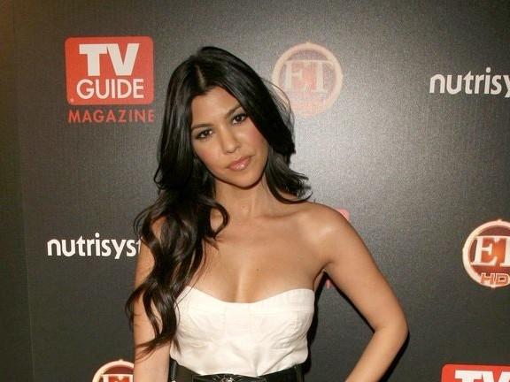 Kourtney Kardashian répond aux remarques d'un internaute sur son fils