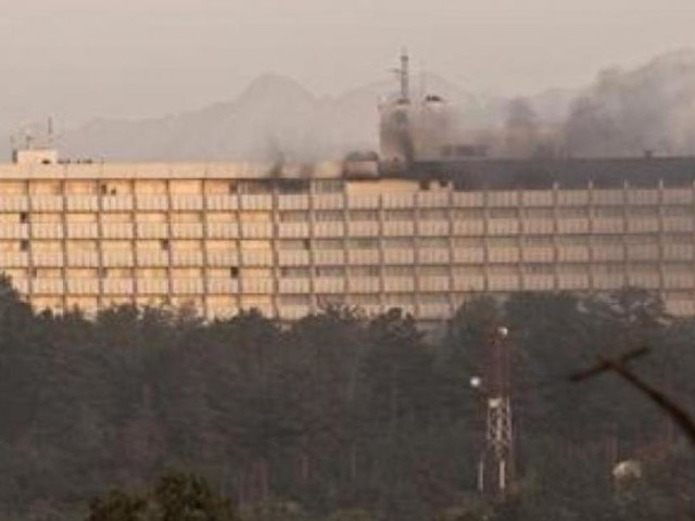 Attaque contre l'hôtel Intercontinental à Kaboul: deux des quatre assaillants tués, pas encore de bilan