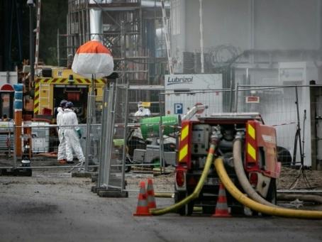 L'enquête sur l'incendie de l'usine Lubrizol de Rouen confiée à des juges d'instruction