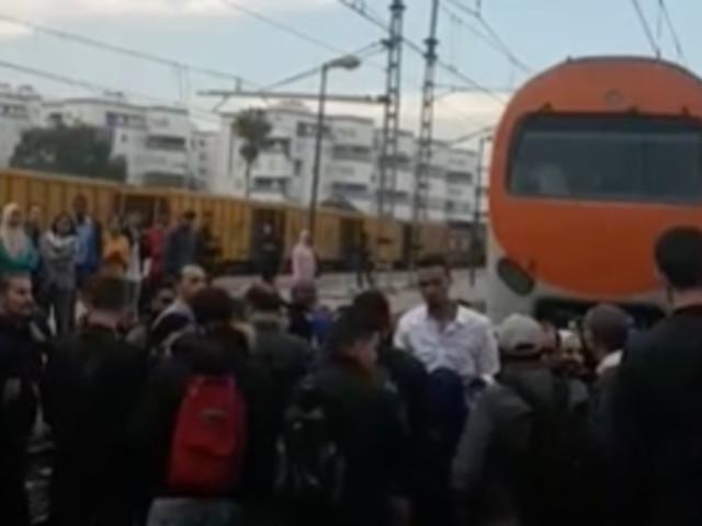 ONCF: Une manifestation de voyageurs contre les retards bloque la circulation entre Kénitra et Casablanca