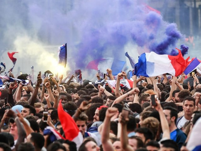 En direct : la France célèbre ses nouveaux champions du monde