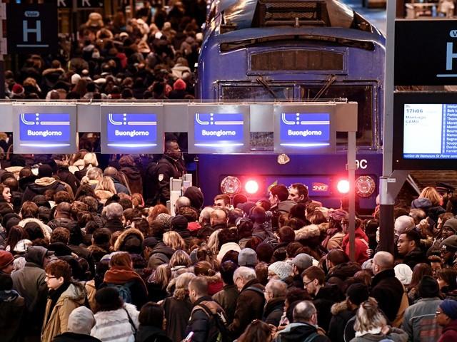 Avec la grève à la SNCF pour Noël, ces voyageurs confient leurs inquiétudes