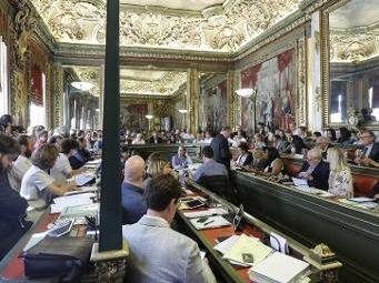 Ville de Bruxelles - Le conseil communal de Bruxelles se prononce à l'unanimité pour agir contre le racisme