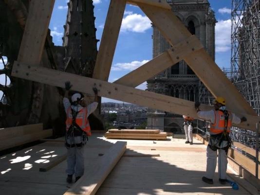 """""""Sauver Notre-Dame"""", une diffusion hors norme pour une production hors norme"""