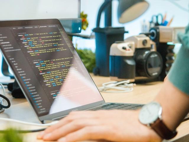 Pour le Black Friday, devenez un codeur hors pair grâce à ces formations en promotion