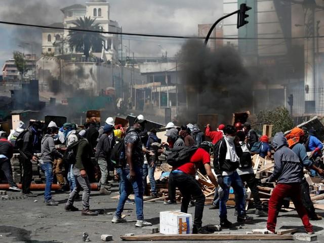 Équateur: les indigènes acceptent le dialogue, Moreno instaure un couvre-feu