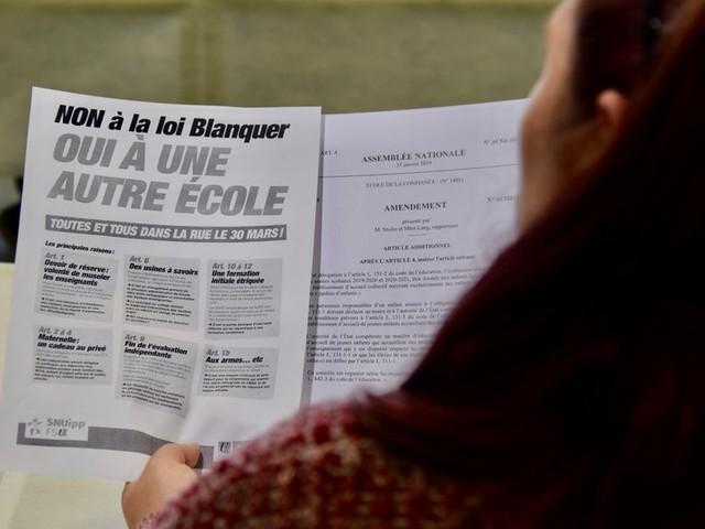 POLÉMIQUES SUR LA LOI BLANQUER : RAISON EST DONNÉE AUX ÉLUS ET AUX PARENTS D'ÉLÈVES.