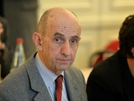 """Louis Gallois """"déplore une volonté politique de minorer le nombre du SDF"""""""
