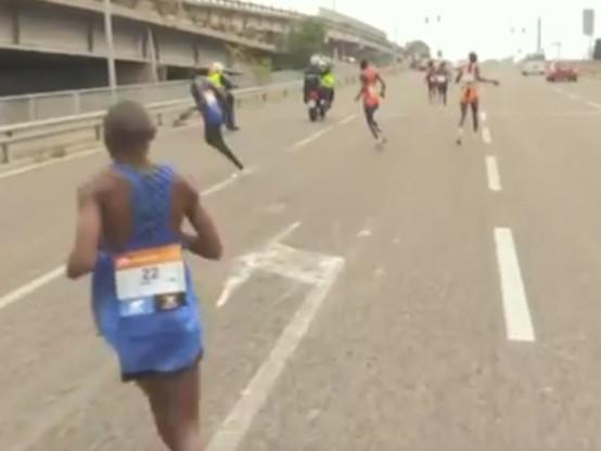 Athlé - WTF - Les coureurs en tête du marathon de Venise prennent la mauvaise route