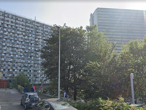La police prise pour cible par des jets de projectiles à Laeken: les auteurs ont pris la fuite