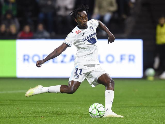 OL – Kadewere va signer mais ne pourra pas jouer sous le maillot lyonnais cette saison !