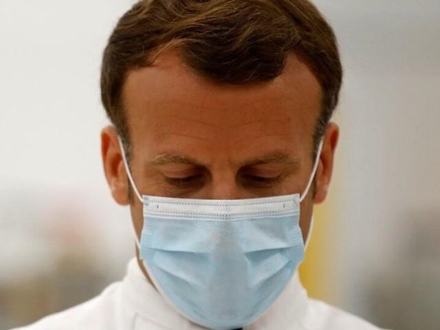 """Macron attendu le 14 juillet sur le détail de son """"nouveau chemin"""""""