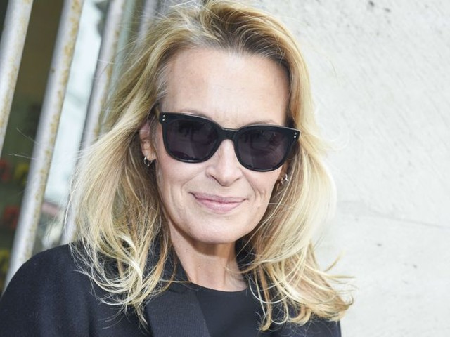 """Estelle Lefébure sur l'héritage de Johnny : """"Moins mes filles seront éclaboussées par tout ça, mieux ce sera"""""""