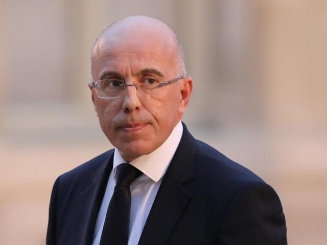 Enseignant décapité dans les Yvelines : LR,LFIet RN réclament de la fermeté, Blanquer se défend