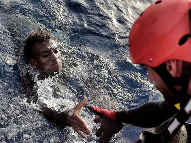 Deux migrants maghrébins secourus dans les eaux du Détroit de Gibraltar
