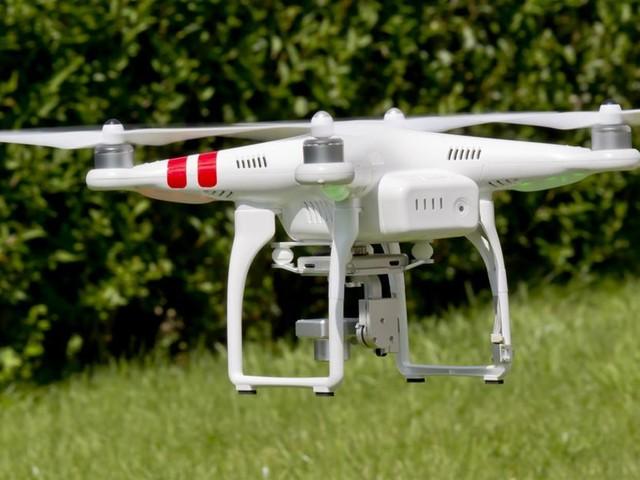 Loi renforçant l'encadrement des drones : plusieurs décrets sur la rampe