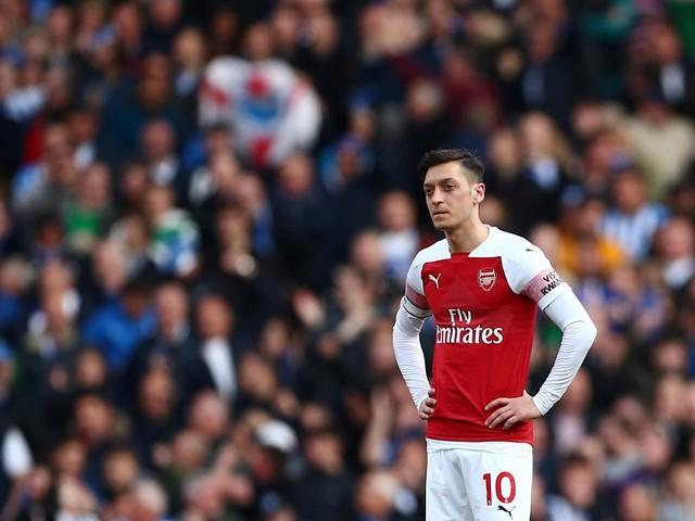 Arsenal: Özil reste dans le onze