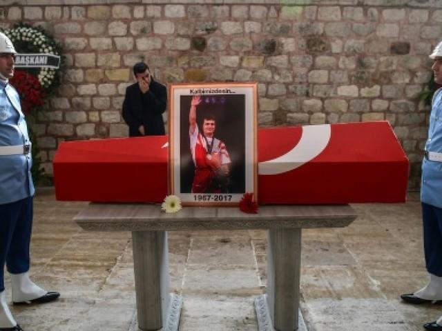 Haltérophilie: funérailles de Süleymanoglu en présence de son grand rival Leonidis