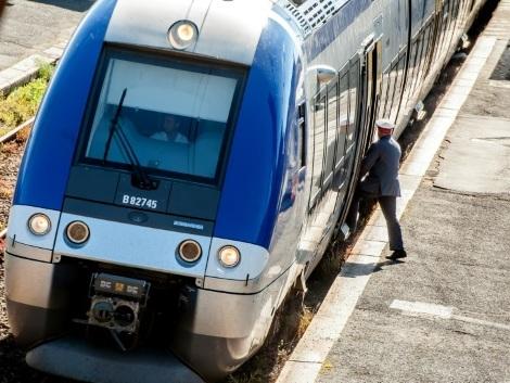 Collision entre un TER et une voiture en Loire-Atlantique: un mort