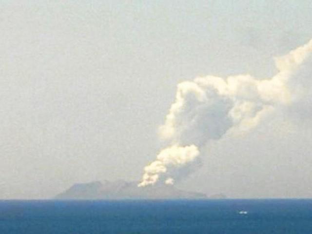 Au moins un mort dans l'éruption d'un volcan en Nouvelle-Zélande