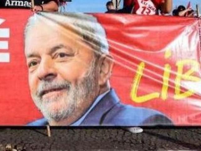 La Cour suprême du Brésil rend un arrêt qui peut libérer Lula