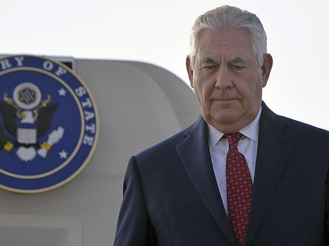 Un document fuité montre le jeu de pouvoir de Tillerson, par Nahal Toosi