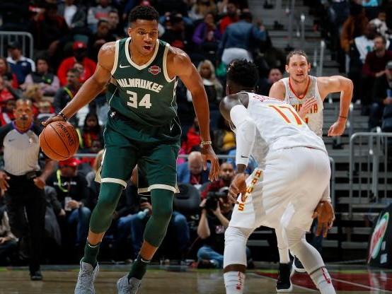 Basket - NBA - Les Milwaukee Bucks s'offrent une belle victoire à San Antonio