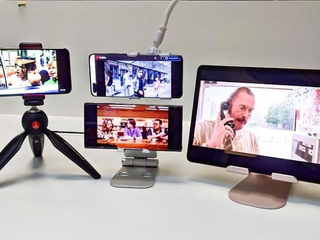 Dossier : Smartphone/ tablette : quel support choisir pour le bureau, la maison, la voiture, la moto, le vélo ou l'avion?