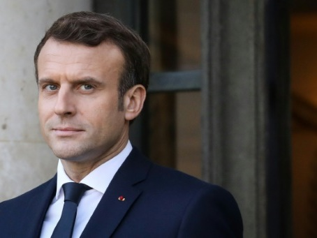 Retraites: Macron et Philippe serrent les rangs de la majorité
