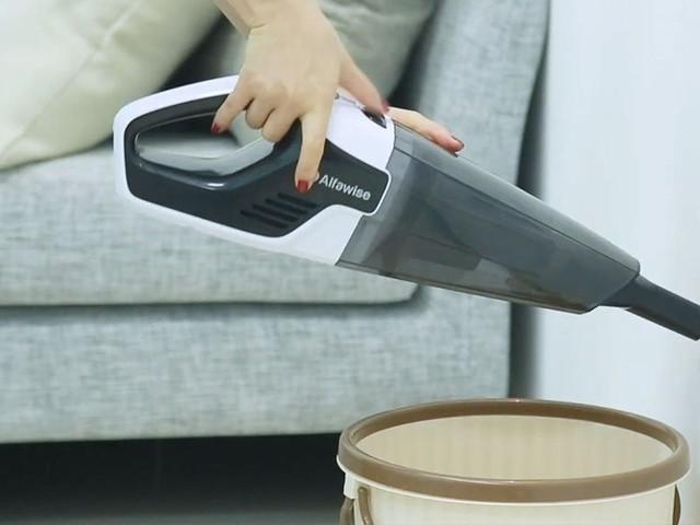 Débarrassez-vous des poussières dans tous les recoins avec cet aspirateur portable en promo