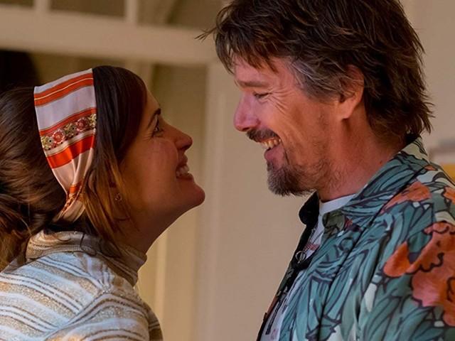 """B.-A. (V.O.) : """"Juliet, naked"""" avec Rose Byrne et Ethan Hawke."""
