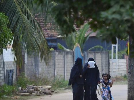 Attentats au Sri Lanka: les femmes musulmanes renoncent aux tenues islamiques