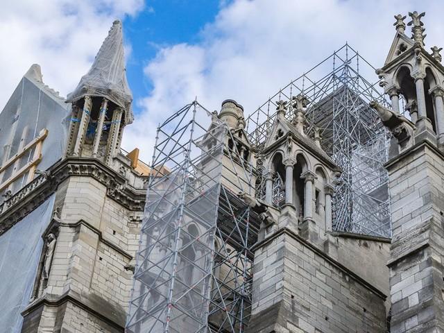 Le représentant de Macron pour Notre-Dame tance l'architecte en chef