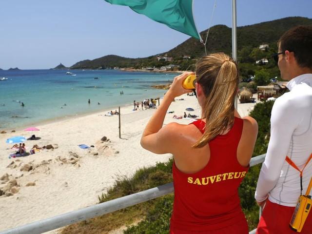 Coronavirus: la surveillance des plages rouvertes s'annonce encore plus compliquée