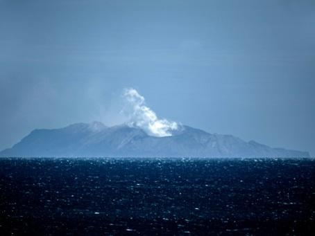 Eruption en Nouvelle-Zélande: le bilan monte à 19 morts