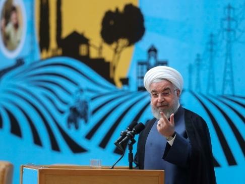 Zarif en France: Rohani défend la carte diplomatique face aux critiques de l'aile dure