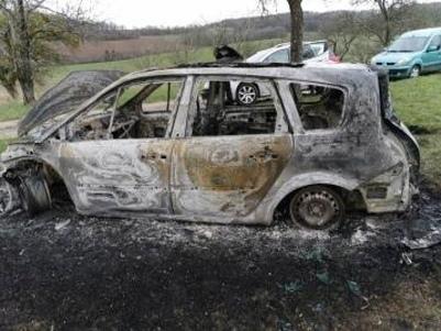 Une voiture retrouvée carbonisée