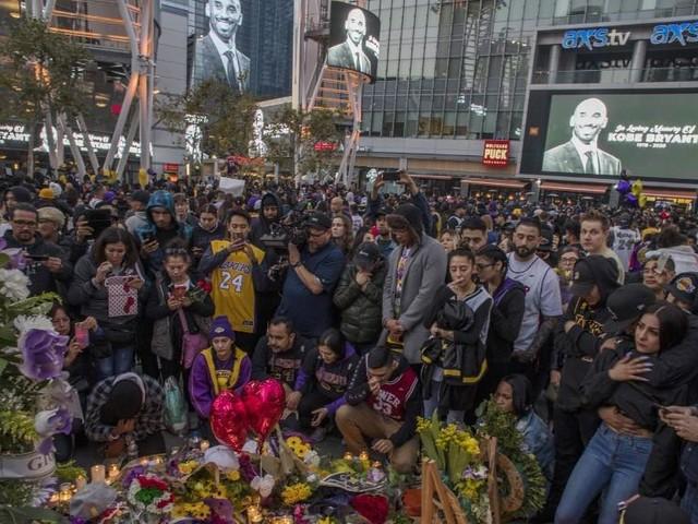 VIDEO. Aux Etats-Unis, le monde du basket rend hommage à Kobe Bryant