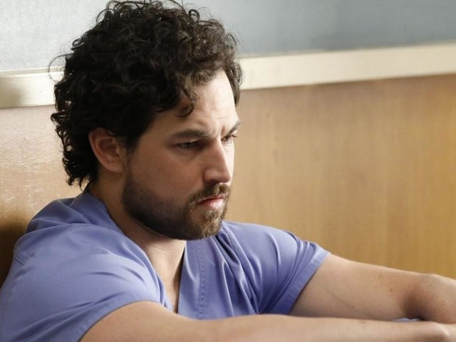 Grey's Anatomy saison 16 : DeLuca sera-t-il celui qui va sauver Richard Webber ?
