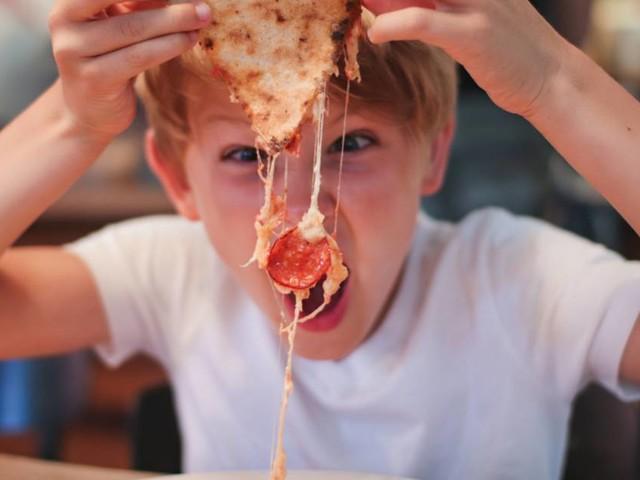 """Cette pizzeria demande aux parents de laisser """"les enfants malpolis"""" chez eux"""