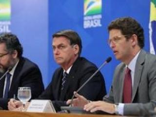 """Brésil: """"Pas besoin"""" des subventions allemandes pour l'Amazonie, réagit Bolsonaro"""