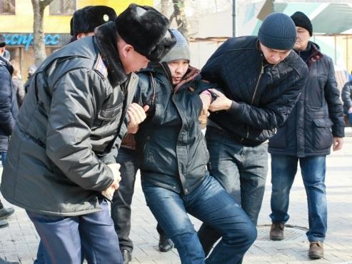 Kazakhstan: 200 arrestations avant des manifestations de l'opposition