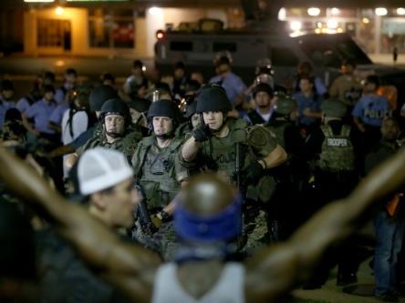 USA: cinq ans après les émeutes de Ferguson, le père de Michael Brown veut rouvrir l'enquête