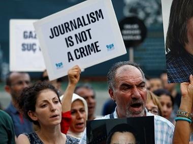 Turquie. Doutes et inepties à l'ouverture du procès du quotidien «Cumhuriyet»