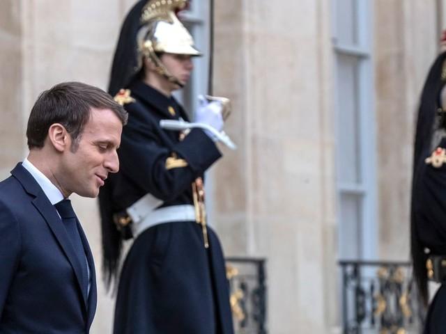 La popularité de Macron chute brutalement - SONDAGE EXCLUSIF