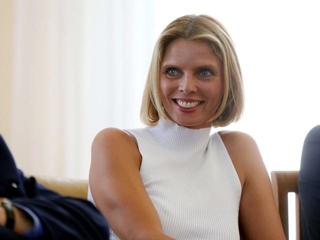 Miss France - Geneviève de Fontenay : Sylvie Tellier responsable de son départ ? Elle répond