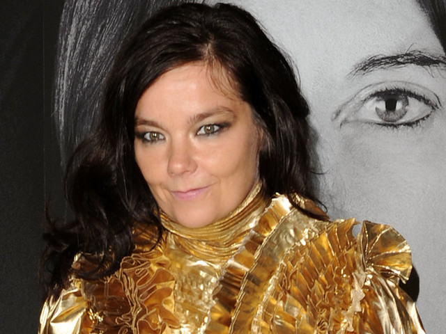 """""""Humiliation et harcèlement sexuel"""": Björk parle de son expérience """"avec un réalisateur danois"""""""
