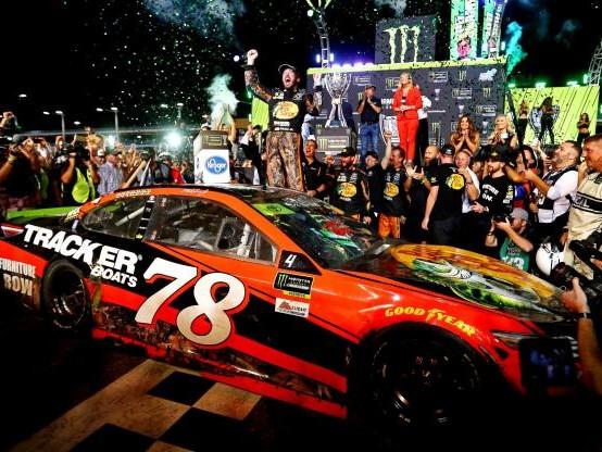 Auto - Nascar - Martin Truex Jr sacré champion Nascar avec la manière