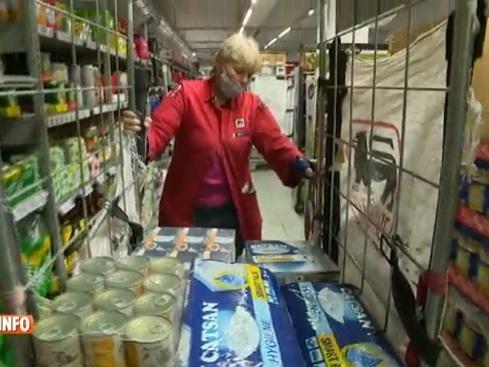 Coronavirus et Noël à la maison: les supermarchés engagent et s'attendent à des fêtes très chargées